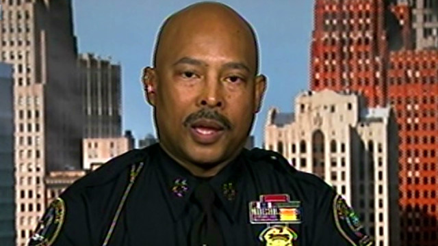Detroit closes police stations at night