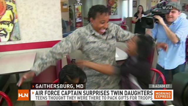 exp mxp.air.force.mom.surprises.daughters_00001818