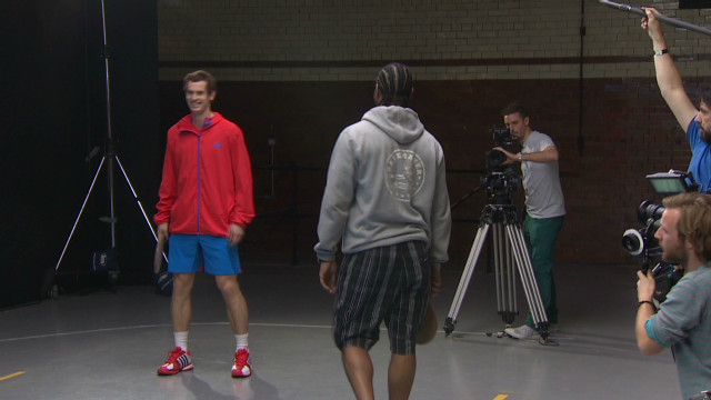 Andy Murray tries road tennis
