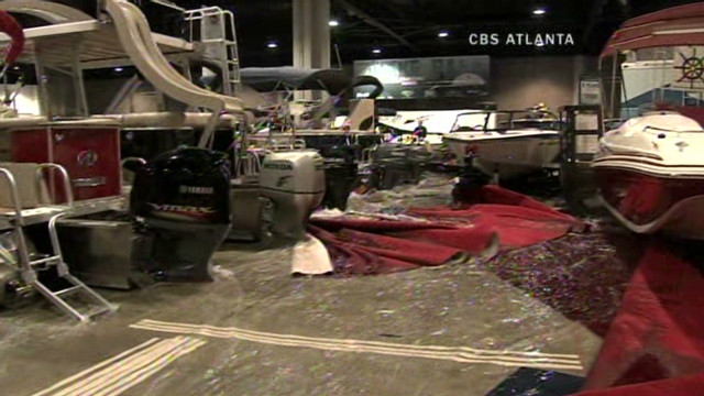 von boat show tank collapse_00002611