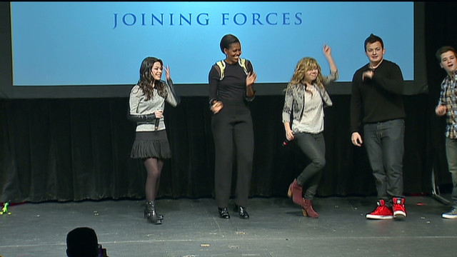 exp Michelle Obama icarly dancing_00002001