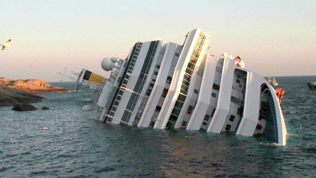 'Chaos' as cruise ship hits rock