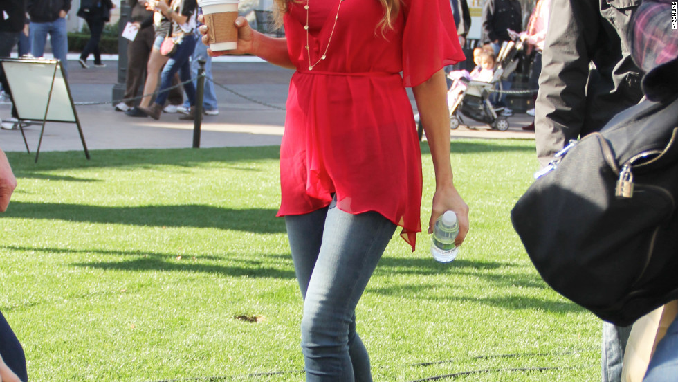 """Denise Richards visits """"Extra"""" in Los Angeles."""