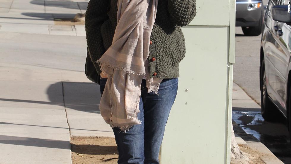 Jennifer Garner gets her nails done in Santa Monica.