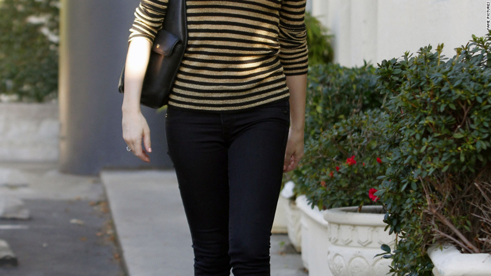 Rose McGowan goes to the salon in West Hollywood.