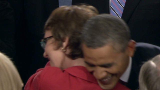 sotu obama giffords hug_00001211