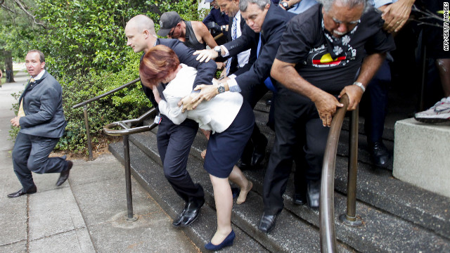 Australian PM loses shoe in attack
