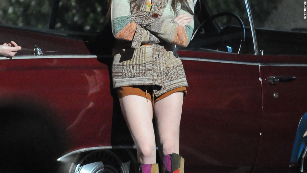 Amanda Seyfried films a scene for her new movie in Los Angeles.