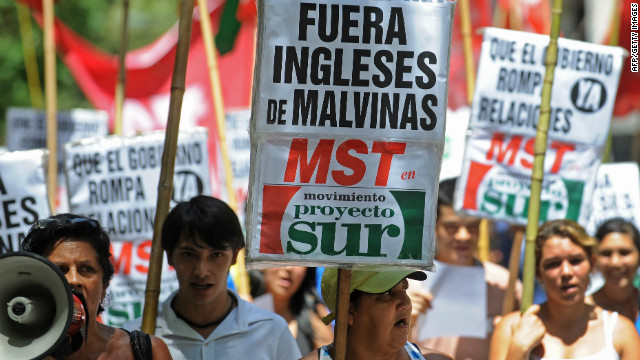Argentine activists demonstrate in front of the British embassy in Buenos Aires on January 20, 2012.