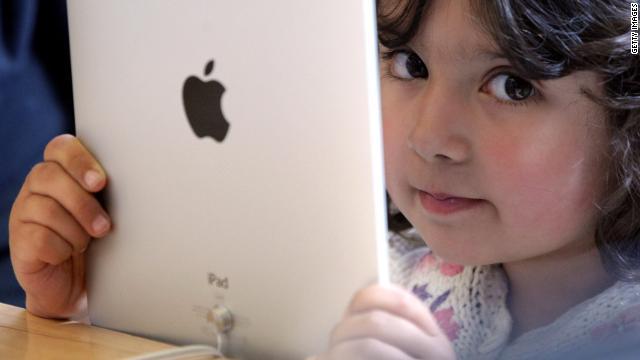 Study: Multitasking hinders youth social skills