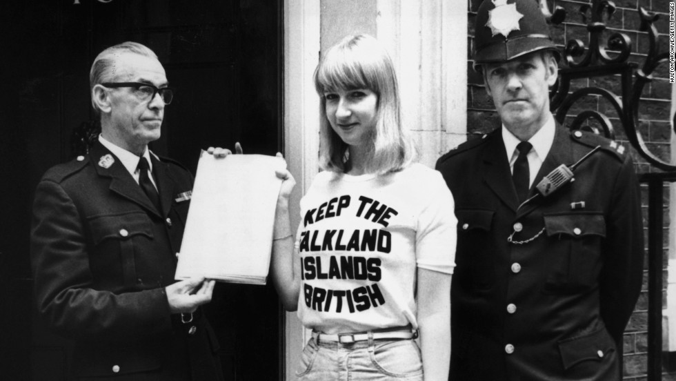 Sukey Cameron hands in a petition at Downing Street demanding full British citizenship to 300 Falkland islanders whose grandparents were not born in Britain, 25th September 1981.