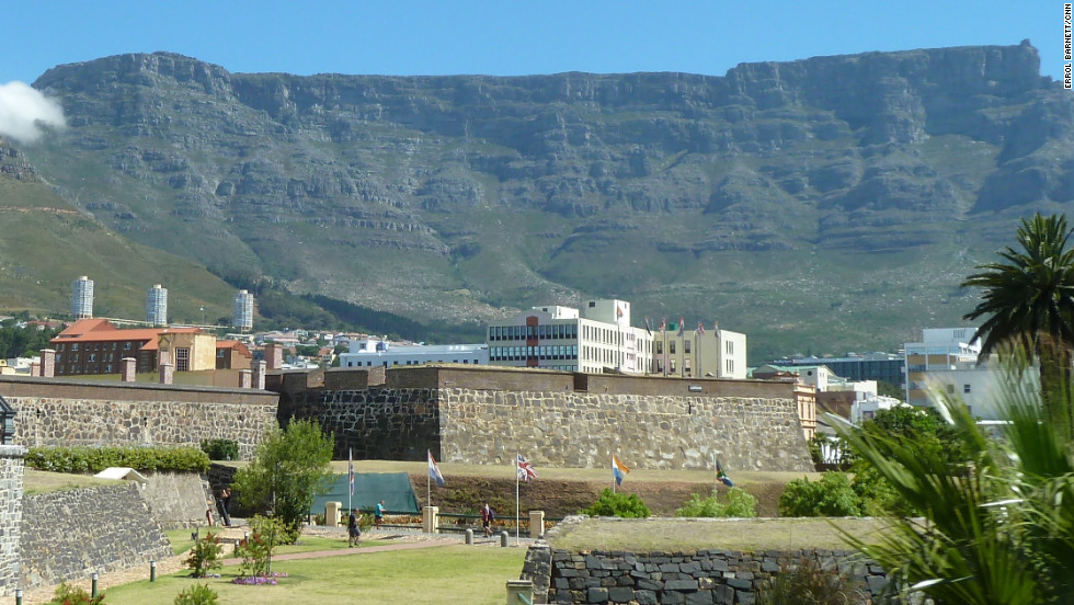The most famous feature of Table Mountain is its three-kilometer wide, flat plateau.