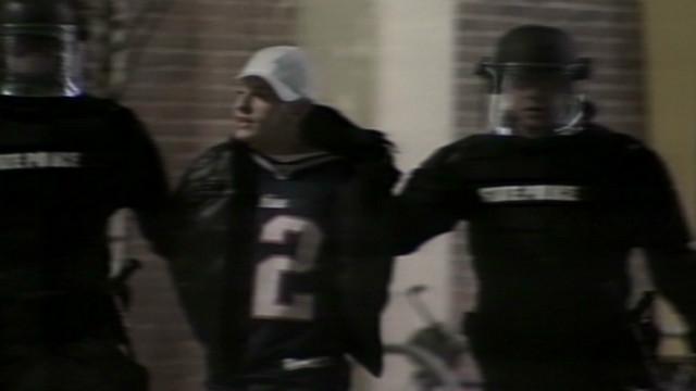 Police break up Super Bowl crowd