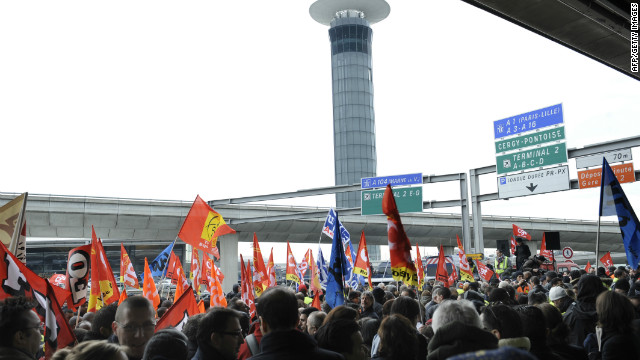 Air France workers on strike