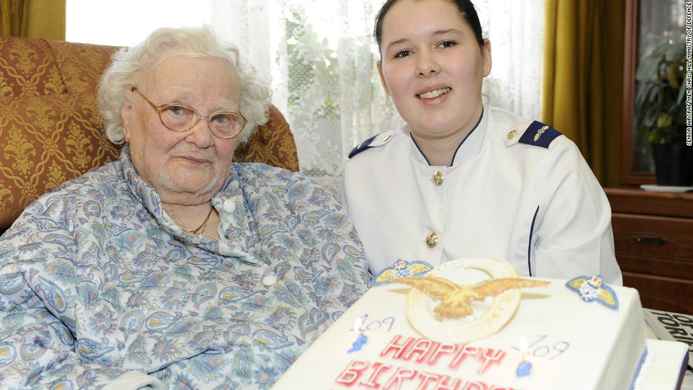 "The last known surviving veteran of World War I died on February 4. <a href=""http://news.blogs.cnn.com/2012/02/08/last-wwi-survivor-a-woman-dies-at-110"">Florence Green</a>, 110, was a waitress in Britain's Royal Air Force."
