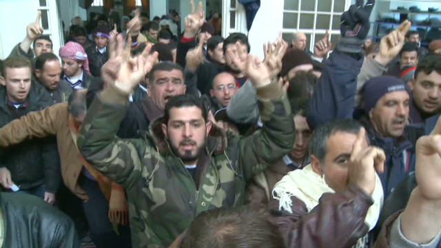 Syria: Rain doesn't stop protests