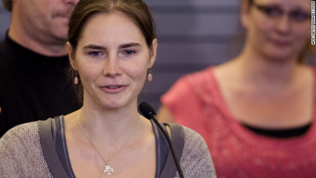 Amanda Knox arrives in Seattle in October after her prison release. She will write a book about her ordeal, HarperCollins says.