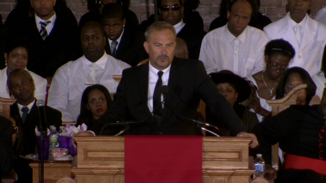 sot.kevin.costner.houston.funeral_00000624