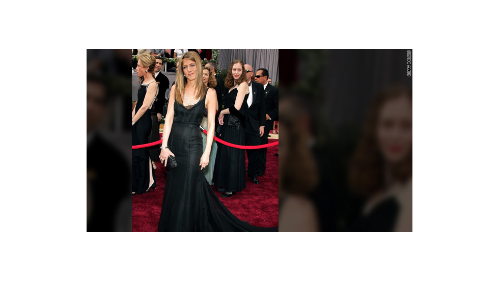 Aniston attended the Academy Awards in 2006 wearing a long, elegant black gown.