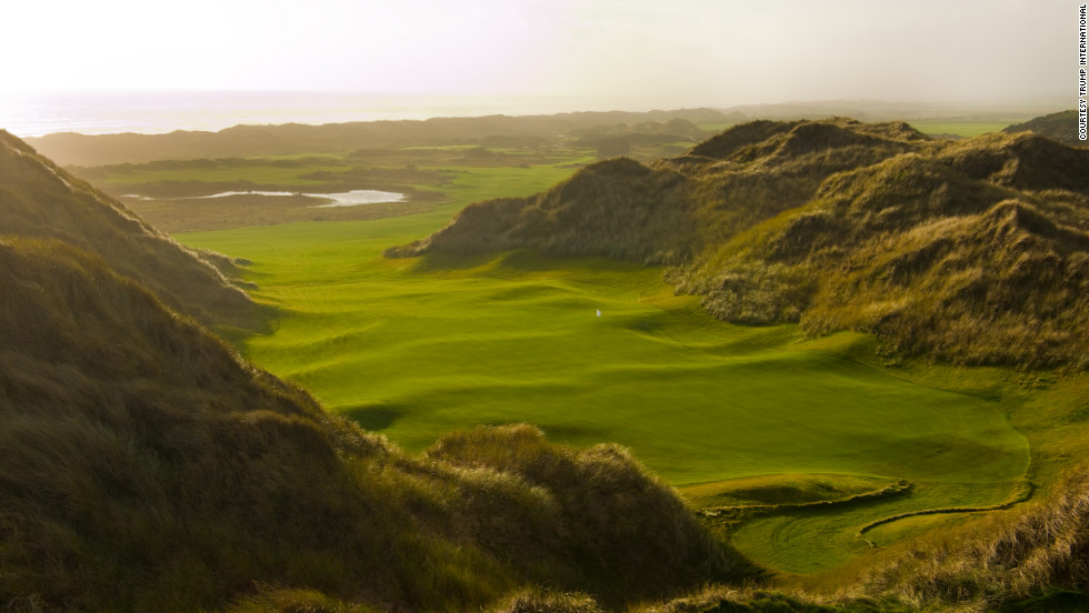Architect Martin Hawtree has sculpted the course using giant sand dunes with a perfect example the 10th hole.