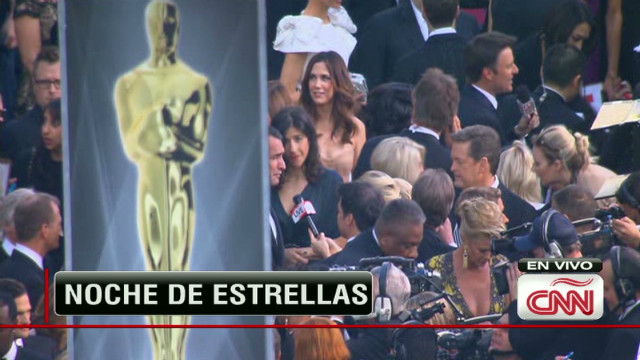 arciniegas red carpet oscar los angeles_00000120