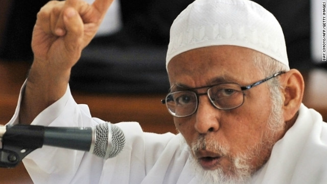 Abu Bakar Bashirin facing a trail on terrorism charges in Jakarta court on March 14, 2011.