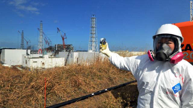 Kyung Lah checks radiation level at the Fukushima Dai-ichi nuclear power plant on February 28, 2012.
