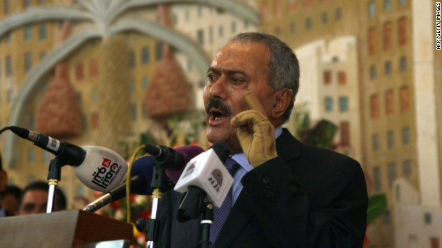 Yemen's former president Ali Abdullah Saleh formally hands power to his deputy, Abdurabu Mansur Hadi in Sanaa on February 27, 2012.