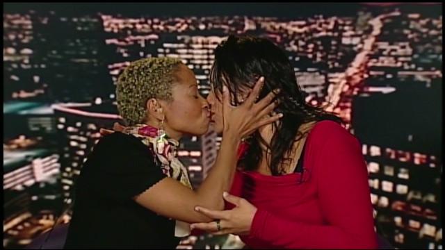 jvm lesbian anniversary kiss_00003713
