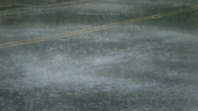 Heavy hail pummels Nashville