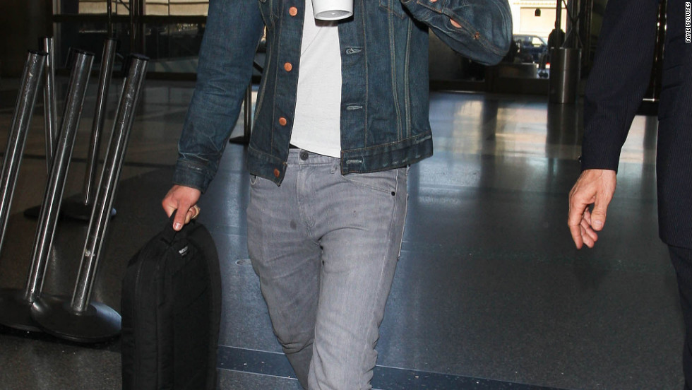 Zac Efron catches a flight from Los Angeles.