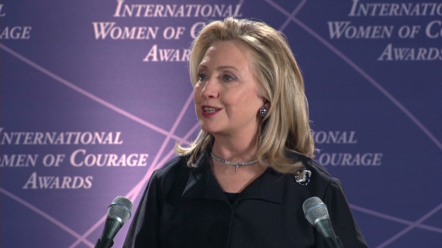 Clinton, Obama honor remarkable women