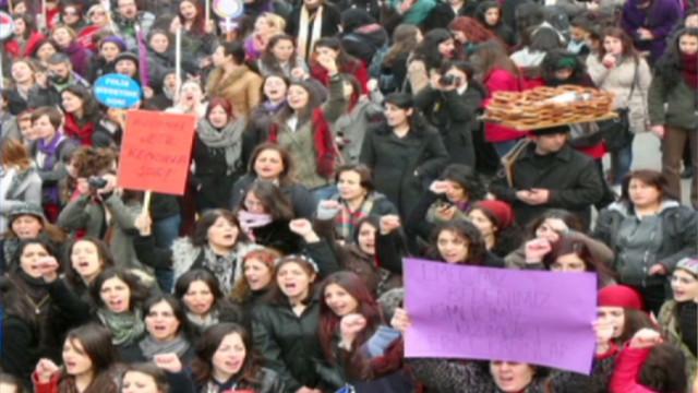 idesk intv violence against women in turkey_00023610