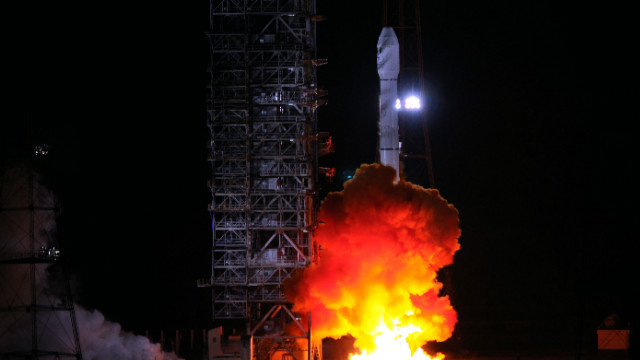 Long March-3B carrier rocket blasts off from the launch pad at the Xichang Satellite Launch Center on December 20, 2011.