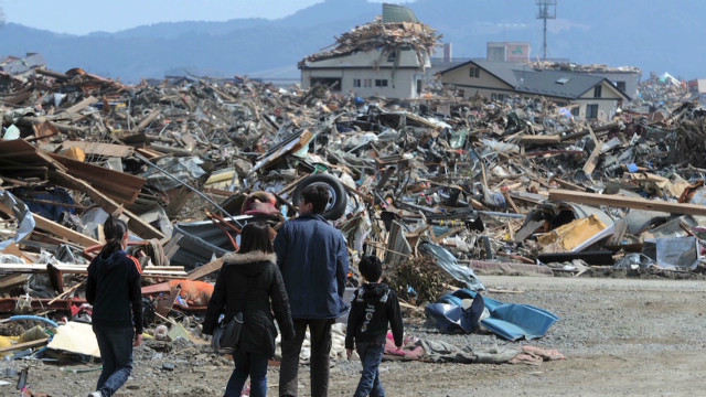 ctw pkg stu levy pray for japan documentary_00020312
