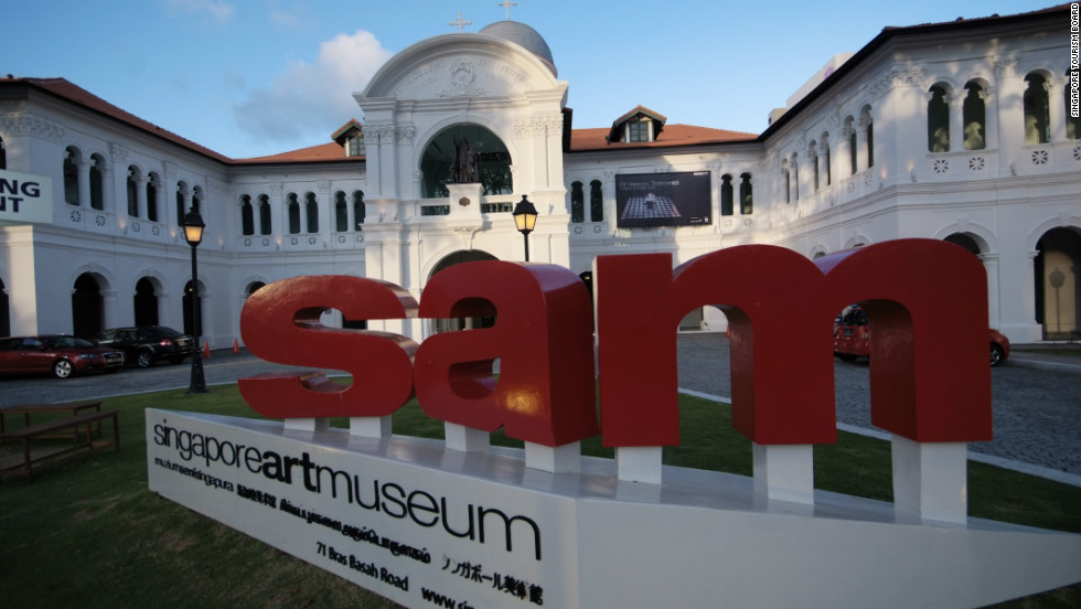 The Singapore Art Museum in the heart of the city's Colonial District offers cultural activities away from the intense glare of Singapore's midday sun. Nearby museums include the Peranakan Museum and the National Museum.