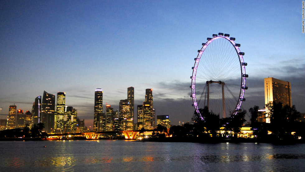 The 165-meter-tall Singapore Flyer meanwhile offers spectacular 360-degree views of the city throughout the day.