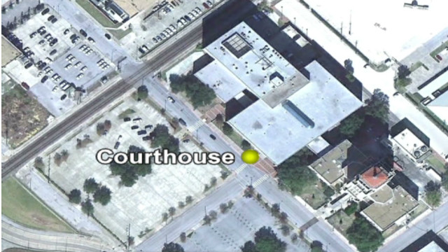 Defendant opens fire outside courthouse
