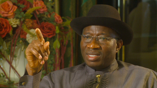 intv mabuse and nigerian pres goodluck jonathan_00002026