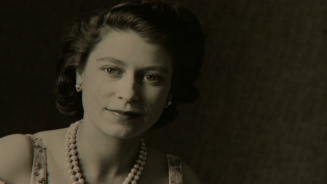 The Queen's unseen photos