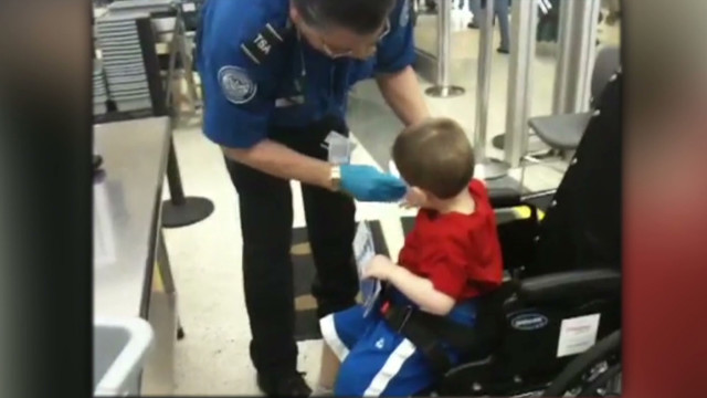 toddler.airport.screening.controversy_00003624
