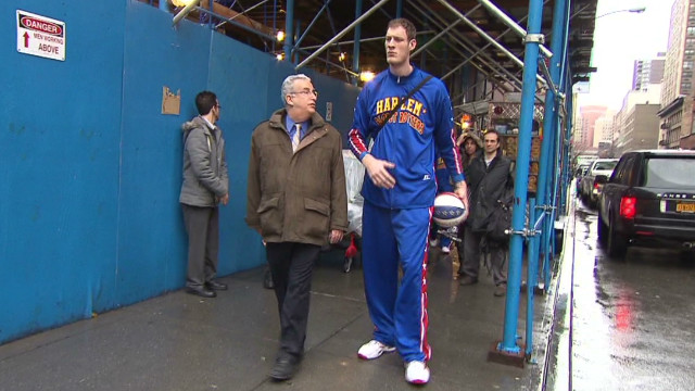 roth tallest basketball player tiny_00005005
