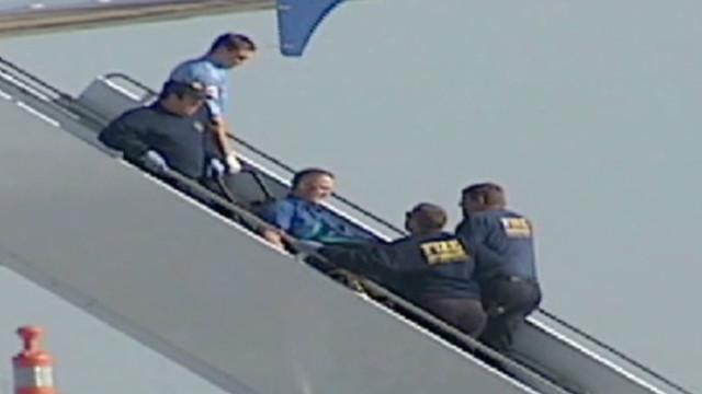 Passenger put pilot in chokehold
