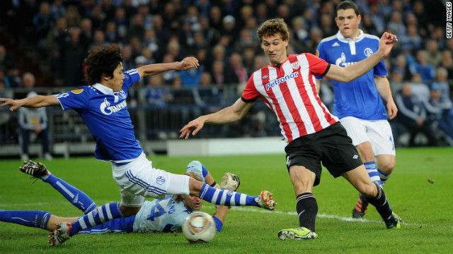 Fenando Llorente opens the scoring for Athletic Bilbao in the Europa League quarterfinal first-leg against Schalke