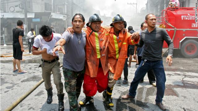 Twin blasts rock Thai city