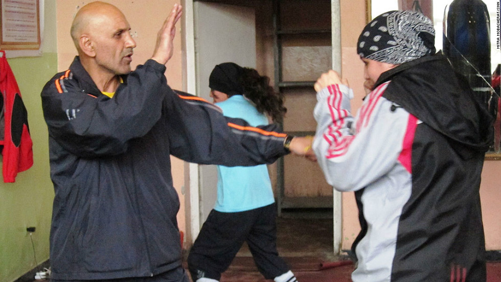 Rahimi is coached by Mohammed Saber Sharifi, a former male professional boxer and advocate for women's rights.