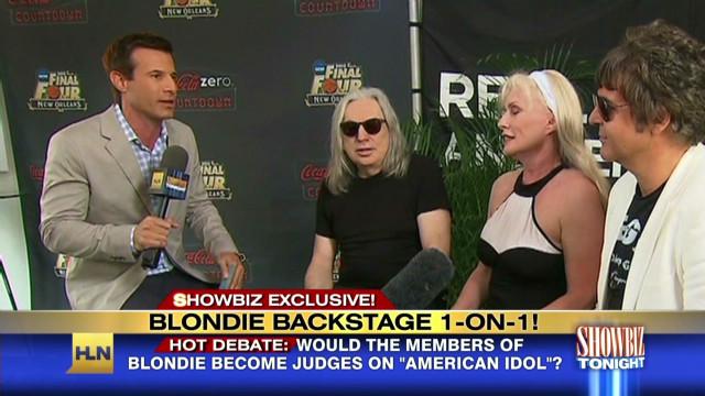 SBT Blondie on music_00001802
