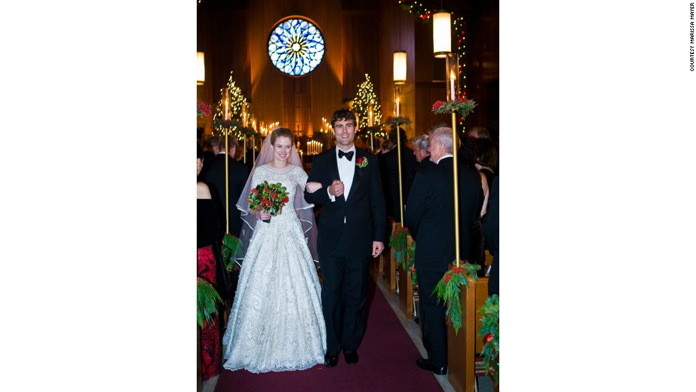 In December 2009, Mayer married Zachary Bogue, a private-equity executive a year her junior.