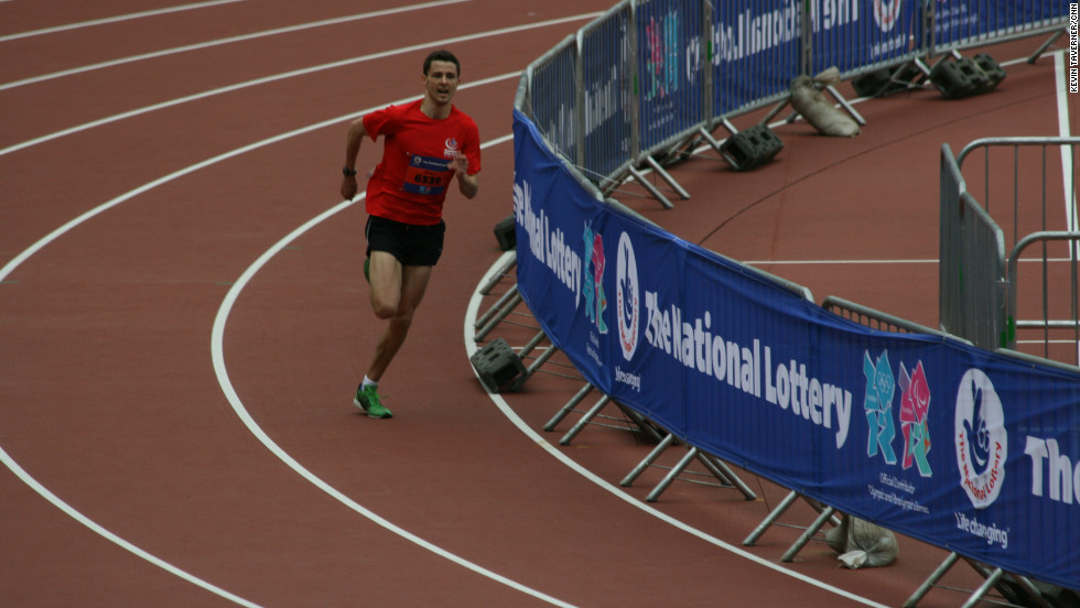 The winner, Tommy Davies, completed the course in just 25 minutes, 11 seconds -- faster than the Olympic record set in London in 1908, the last time a five-mile race was run at the Games.