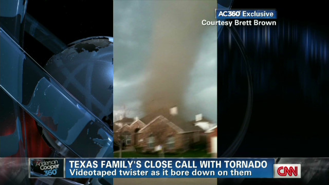 Dad records tornado approaching family